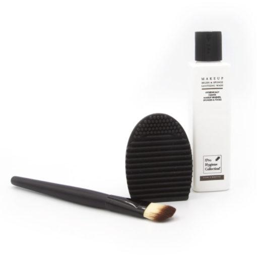 Brush Egg finger glove for cleaning makeup brushes
